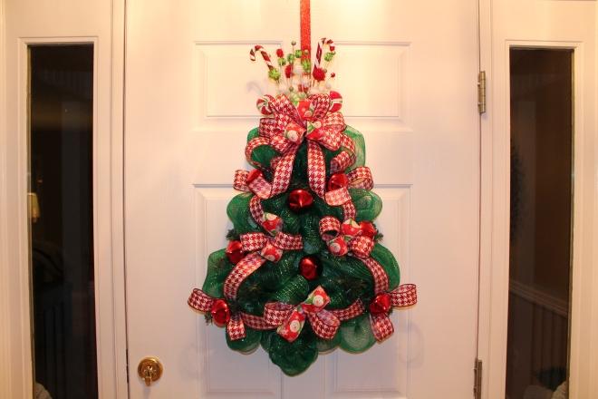 """DIY Christmas Mesh Deco Wreath """"O Christmas Tree"""""""